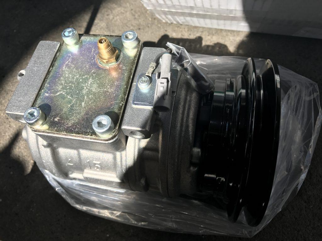 ランクル80 リビルトコンプレッサー
