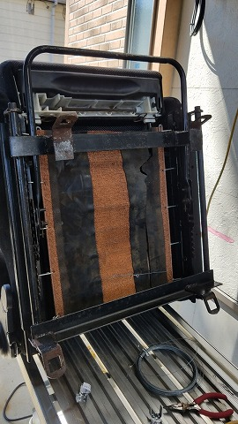 HJ60レカロシート修理_190418_0004